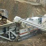 100 TPH hydraulic rock breaker on crawler