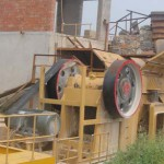 detail of feeding hopper for jaw crusher design